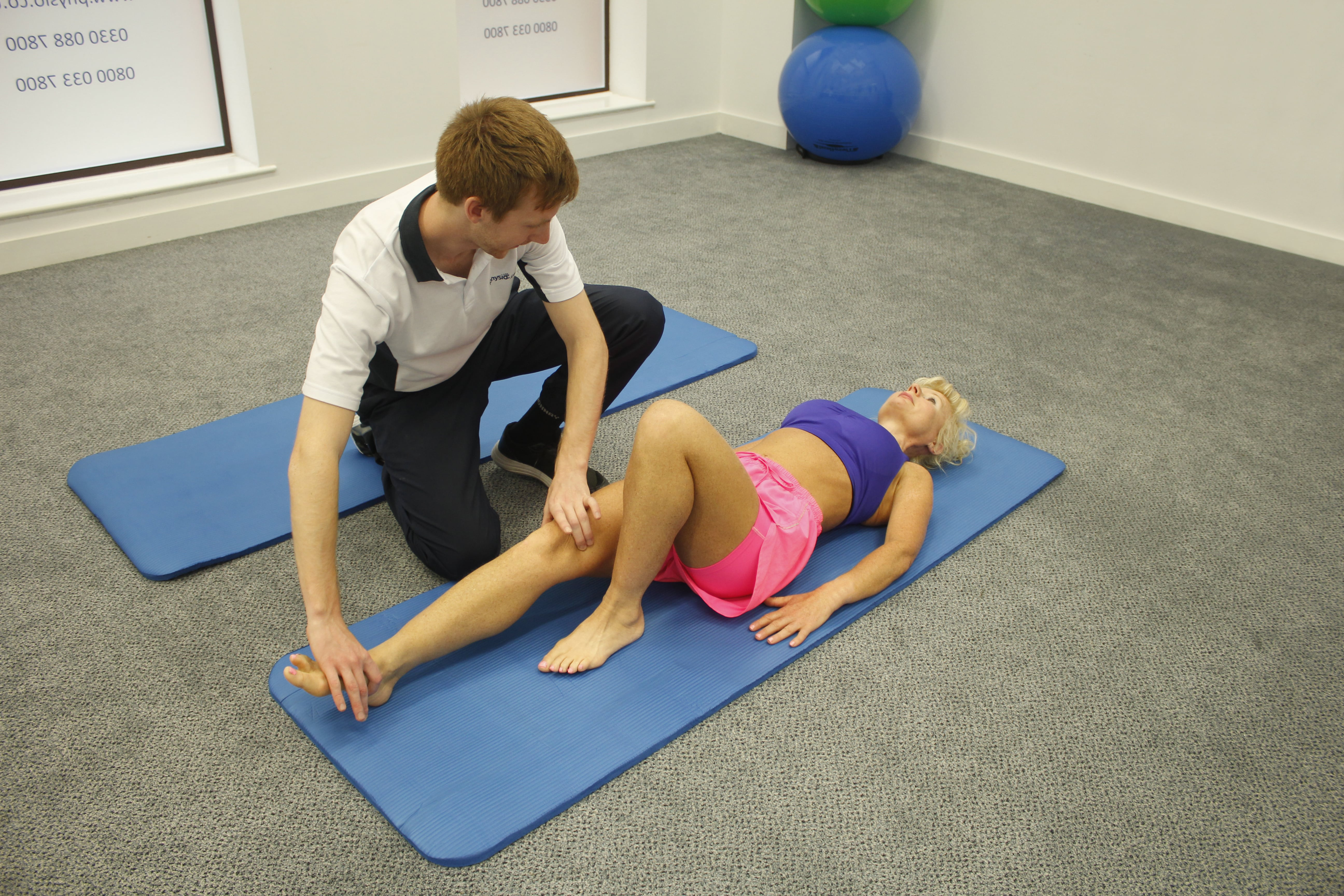 Physiotherapist providing physio treatment in minshull street clinic