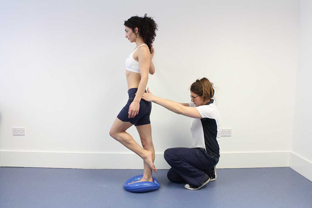 Balance and proprioception exercises assisted by a musculoskeletal physiotherapist