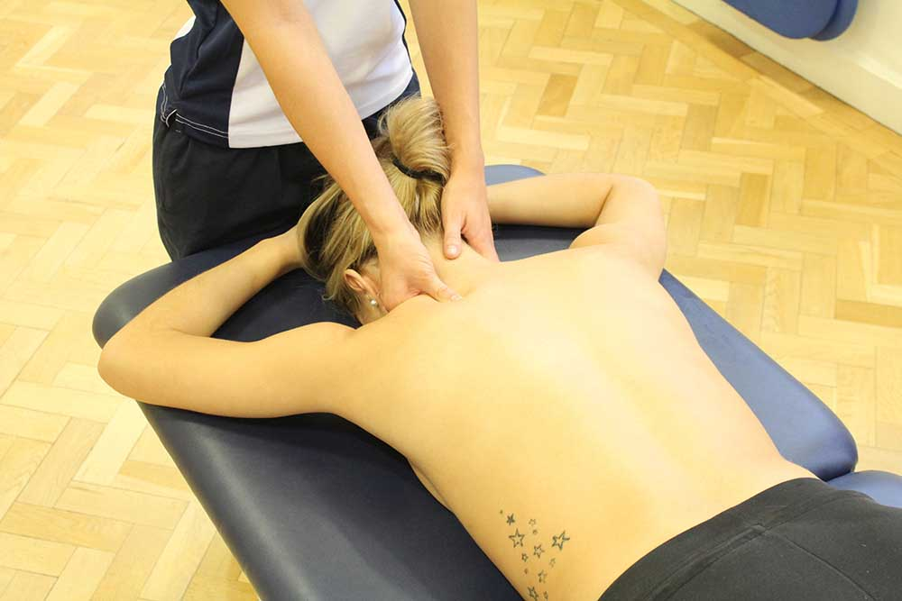 Deep Tissue Shoulder Massage targetting trapezius muscle